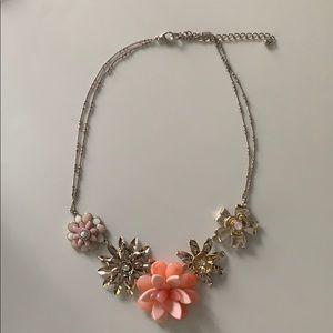 Jewelry - Peach statement necklace